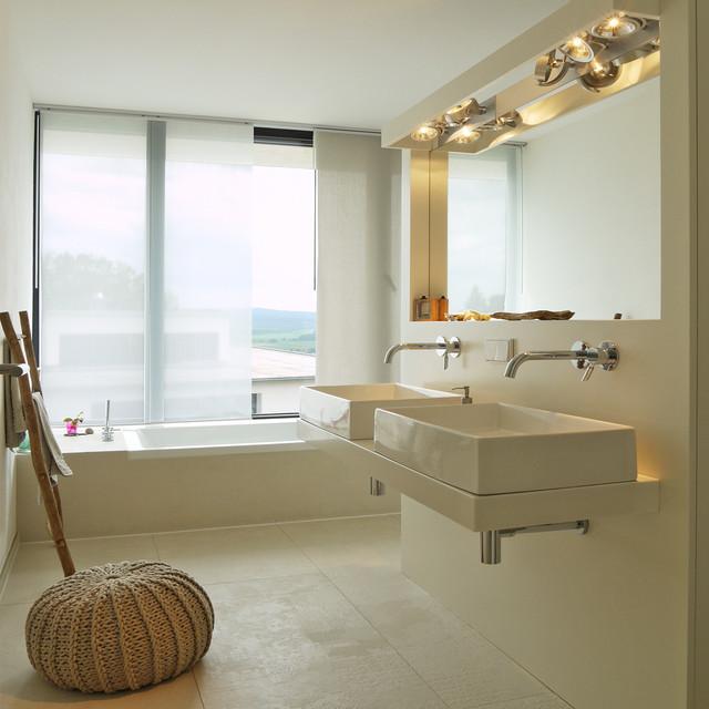 Glueckauf zwei modern badezimmer hannover von k2 for Badezimmer design hannover