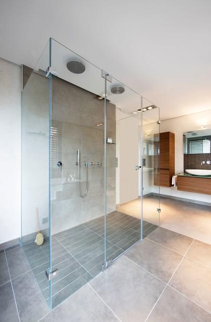 Große Dusche Modern Badezimmer