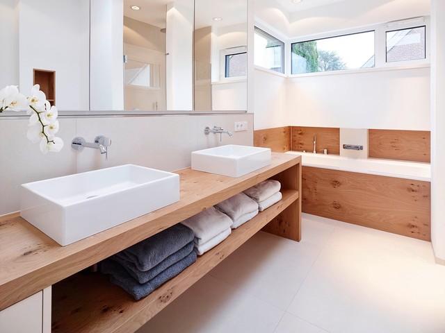 haus gun minimalistisch badezimmer d sseldorf von. Black Bedroom Furniture Sets. Home Design Ideas