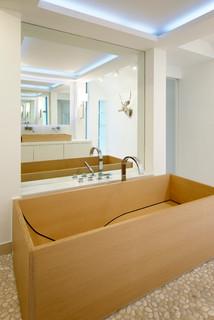 villa dreieichenweg hamburg modern badezimmer. Black Bedroom Furniture Sets. Home Design Ideas