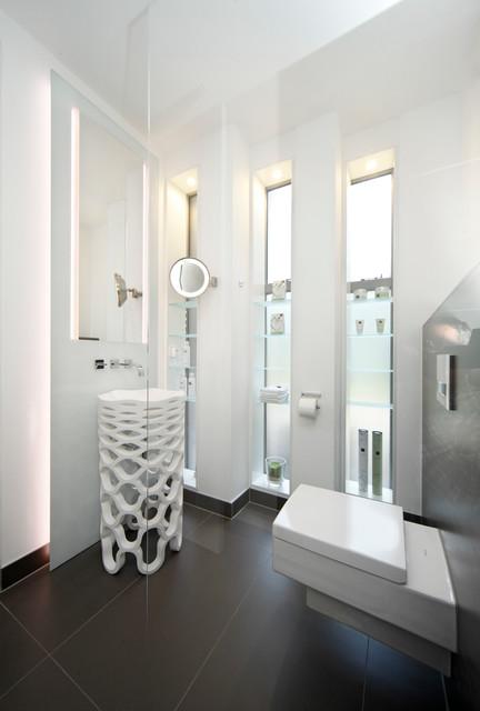 Villa dreieichenweg hamburg modern badezimmer for Badezimmer hamburg