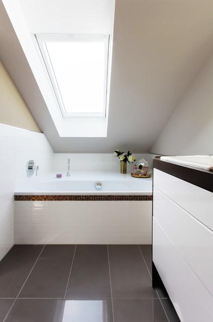 Hausrenovierung badezimmer berlin von katarzyna for Raumgestaltung badezimmer