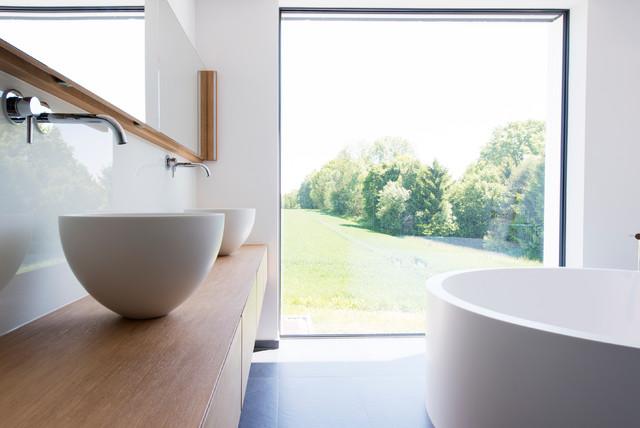 helles modernes bad dachau minimalistisch badezimmer. Black Bedroom Furniture Sets. Home Design Ideas