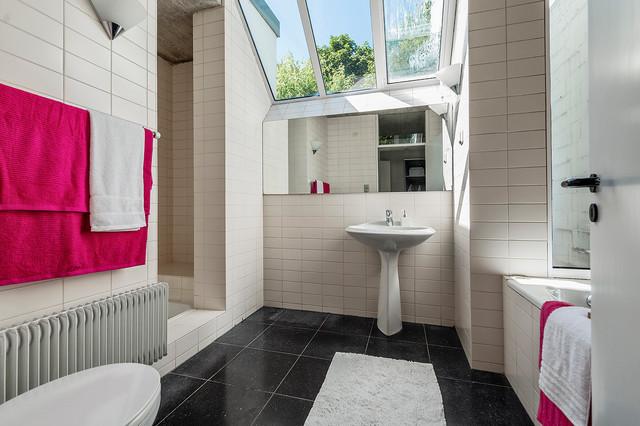 Homestaging: Fachwerk trifft auf Moderne - Landhausstil - Badezimmer ...
