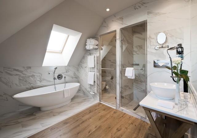 hotel berlin modern badezimmer other metro von sebastian greuner photographie. Black Bedroom Furniture Sets. Home Design Ideas