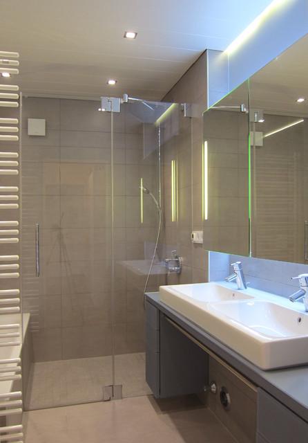 Kleines Bad mit großer Dusche - Modern - Badezimmer - Köln - von ...