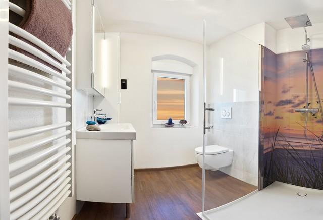 Kleines Bad ohne Fliesen - Modern - Badezimmer - Leipzig ...