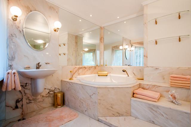 Masterbad In Marmor Contemporary Bathroom