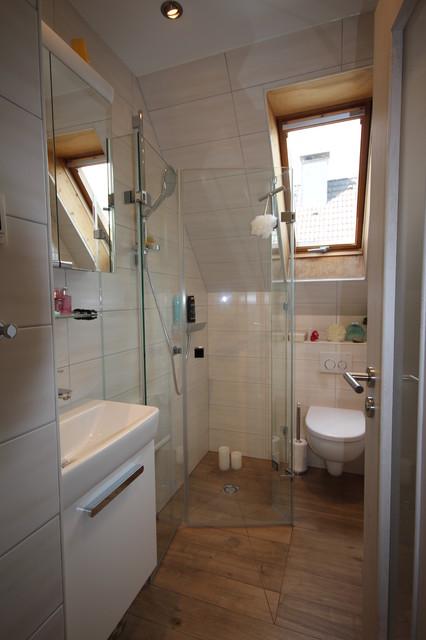Mini Bad mit Schräge - Modern - Badezimmer - Köln - von ...