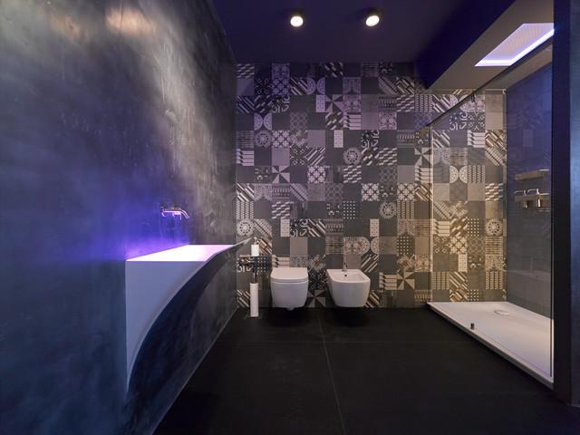 BADAUSSTELLUNGEN / bathroom showroom - Modern - Badezimmer ...