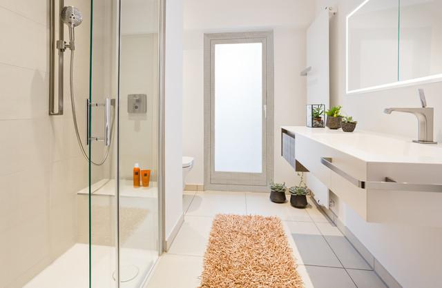 Ebenerdige Dusche einbauen: Voraussetzungen, Ideen und Aufwand