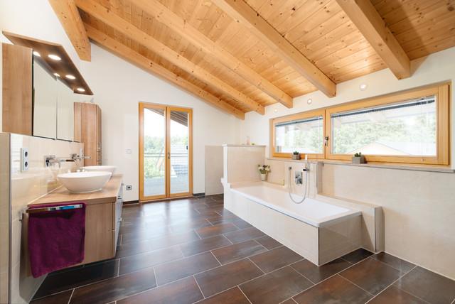 Modern-rustikales Einfamilienhaus am Waldrand ...