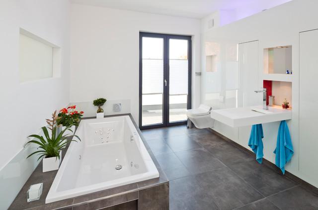 moderne b der minimalistisch badezimmer hamburg von baqua. Black Bedroom Furniture Sets. Home Design Ideas
