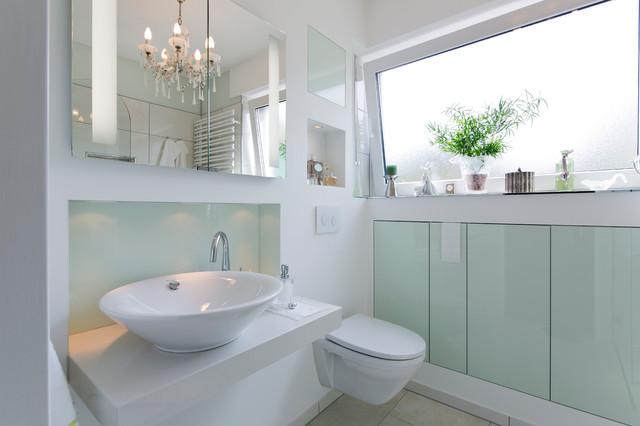 Modernes Bad im englischen Stil - Modern - Badezimmer ...