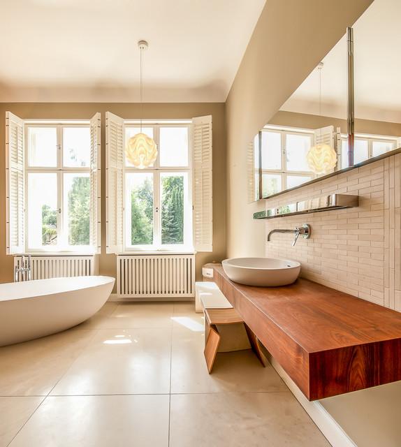 Modernes Bad In Historischer Hülle Contemporary Bathroom