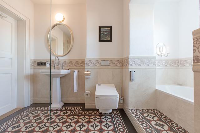 modernste technik mit dem washlet r von toto klassisch. Black Bedroom Furniture Sets. Home Design Ideas