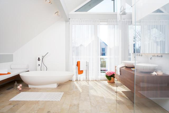 musterbad modern badezimmer n rnberg von home. Black Bedroom Furniture Sets. Home Design Ideas