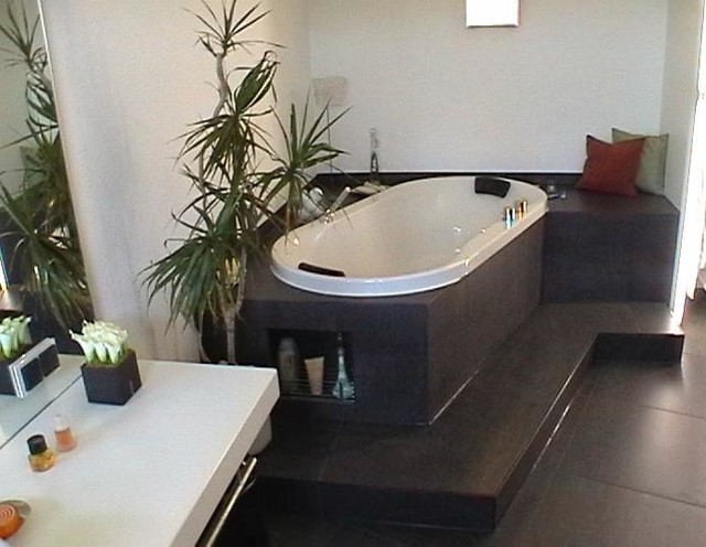 nachher eckbadewanne. Black Bedroom Furniture Sets. Home Design Ideas