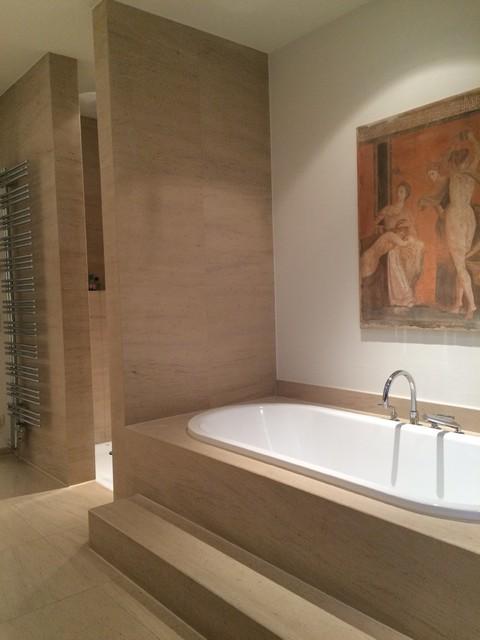 Ebenerdige Dusche Modern : Naturstein Badewanne und ebenerdige Dusche contemporary-bathroom