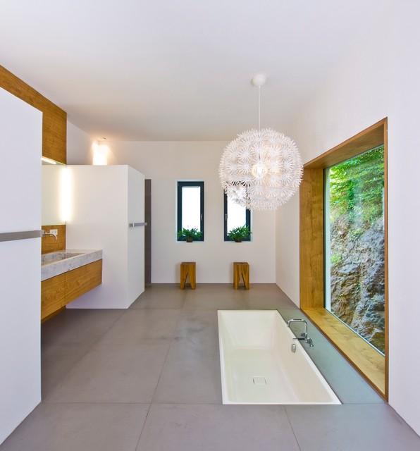 neubau einfamilienhaus felsenhanglage - minimalistisch, Badezimmer