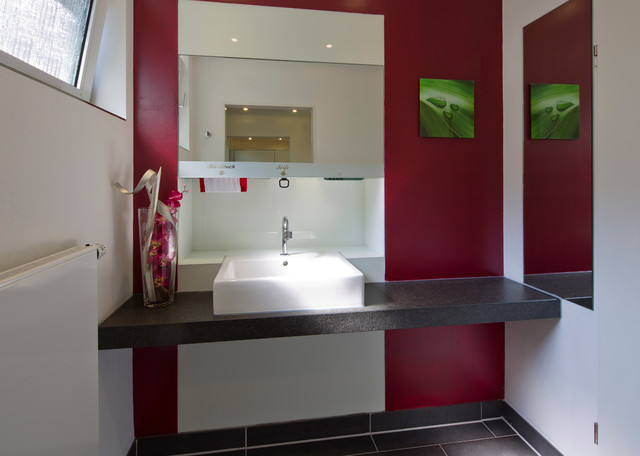 ffentliche wc anlagen bei uns locus genann modern. Black Bedroom Furniture Sets. Home Design Ideas