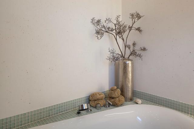 Ein Badexperte Gibt Reinigungstipps Fur Fugenlose Bader