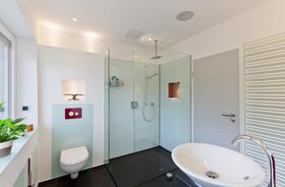 Badezimmer mit Granit-Waschbecken/Waschtisch Ideen, Design ...