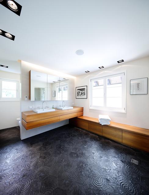 sanierung gr nderzeit villa badezimmer. Black Bedroom Furniture Sets. Home Design Ideas