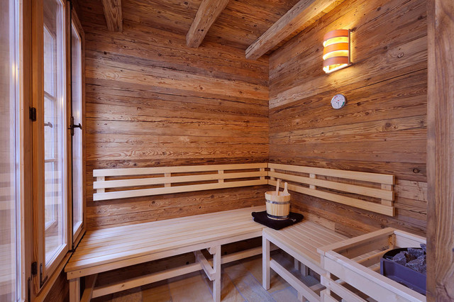 sauna chalet grand fl h das wohlf hl chalet rustikal badezimmer sonstige von steiner. Black Bedroom Furniture Sets. Home Design Ideas