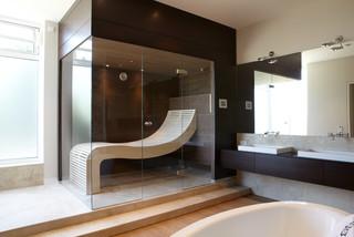 sauna mit wengepaneelen und passendem waschtisch. Black Bedroom Furniture Sets. Home Design Ideas