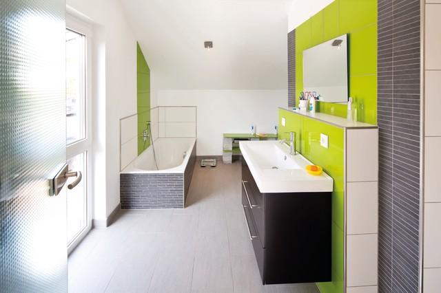 Fingerhaus badezimmer  SCHÖNE AUSSICHT - frei geplantes Kundenhaus - Modern - Badezimmer ...