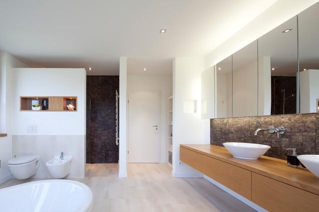 schoppenhof contemporary bathroom bremen by pellemeier architekten. Black Bedroom Furniture Sets. Home Design Ideas