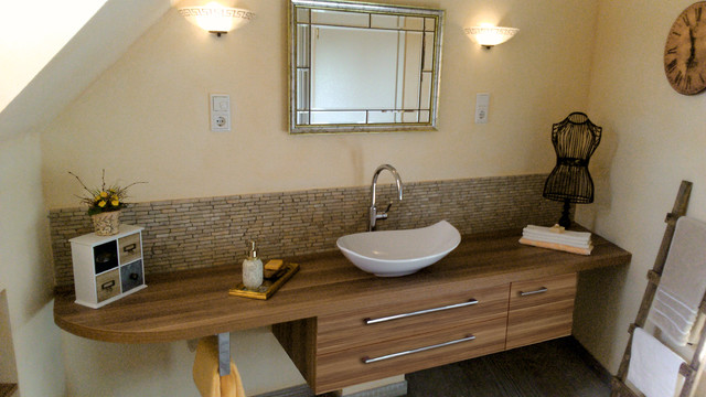 Sonderanfertigungen - Unser tägliches Geschäft - Modern - Badezimmer ...