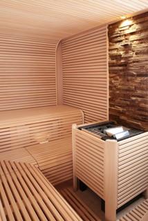 steinstreifen hinter ofen asiatisch badezimmer sonstige von erdmann exklusive saunen. Black Bedroom Furniture Sets. Home Design Ideas