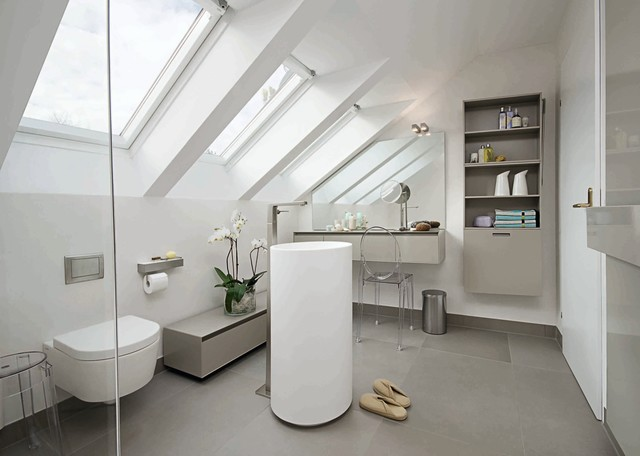 Kleines Badezimmer Mit Dusche Kosten : Bathroom Remodel Pedestal Sink with Grey Floors