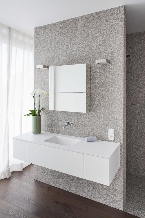 Wandverkleidung zum Badezimmer - Wo kann man die kaufen?