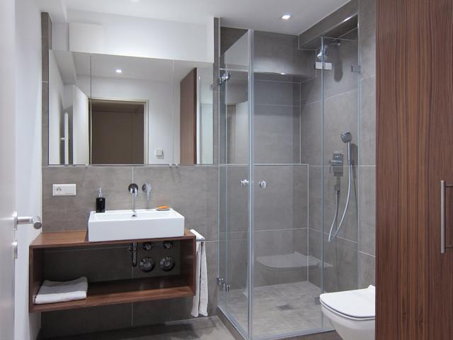 waschtisch im duschbad mit platz f r die waschmaschine modern badezimmer k ln von hansen. Black Bedroom Furniture Sets. Home Design Ideas