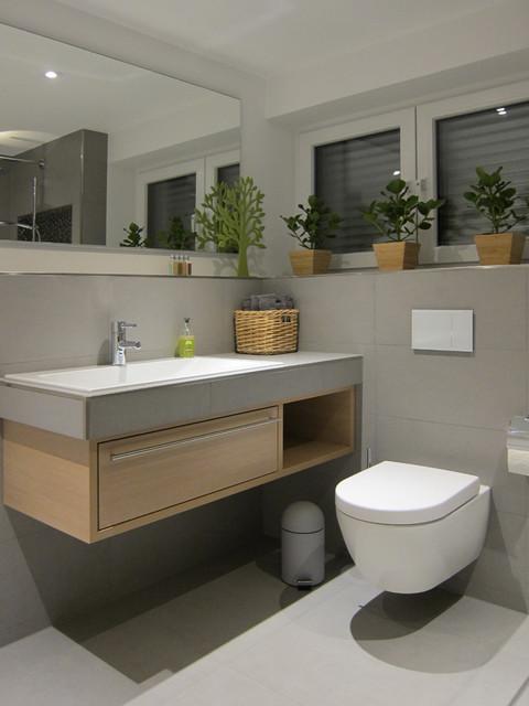 G?stebad Mit Wc Und Dusche : Waschtisch und WC im G?stebad mit offener Dusche modern-badezimmer