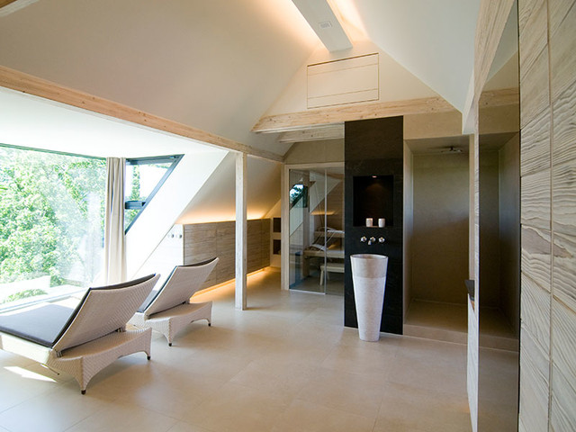 wellness im dachgeschoss sauna modern badezimmer dresden von stonewater. Black Bedroom Furniture Sets. Home Design Ideas