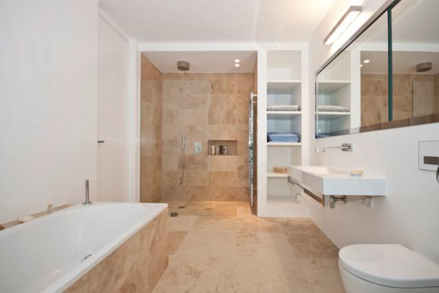 wellnessbad aus dem naturstein travertin beige. Black Bedroom Furniture Sets. Home Design Ideas