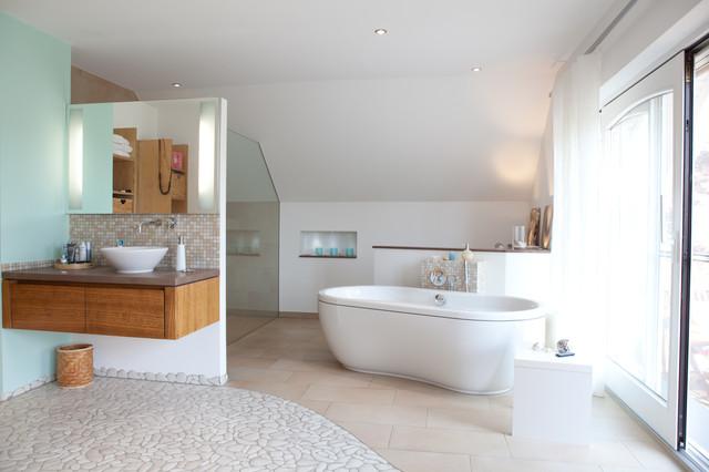 wellnessbad modern badezimmer sonstige von cw. Black Bedroom Furniture Sets. Home Design Ideas