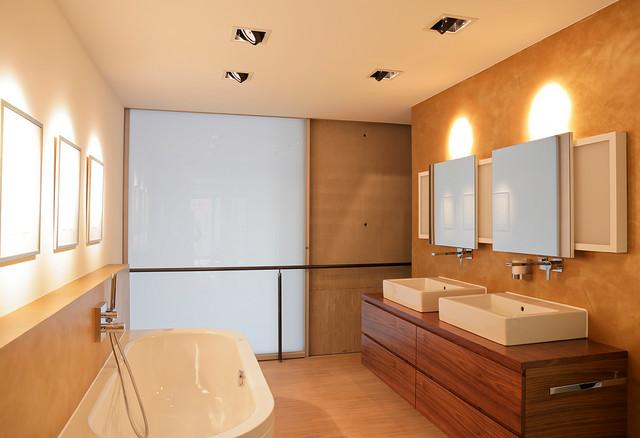 Wohnen modern badezimmer hannover von fotografie for Badezimmer design hannover