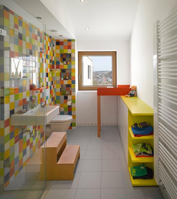 Wohnhaus R + J Kinder Badezimmer