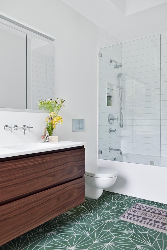 Создайте стильный интерьер: ванная комната в стиле модернизм - последний тренд