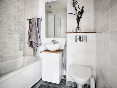 Sådan indretter du et mini-badeværelse, så du udnytter pladsen