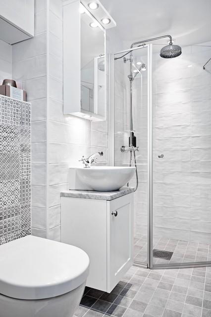 VARSAM RENOVERING AV LÄGENHET I LANDALA skandinavisk-badrum