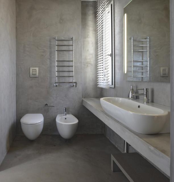 Rivestimento pareti e pavimento con resina cementizia - Moderno - Bagno di Servizio - Altro - di ...