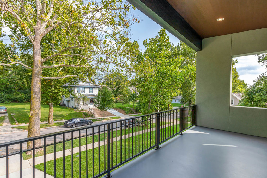 4030 Forest (upstairs balcony)