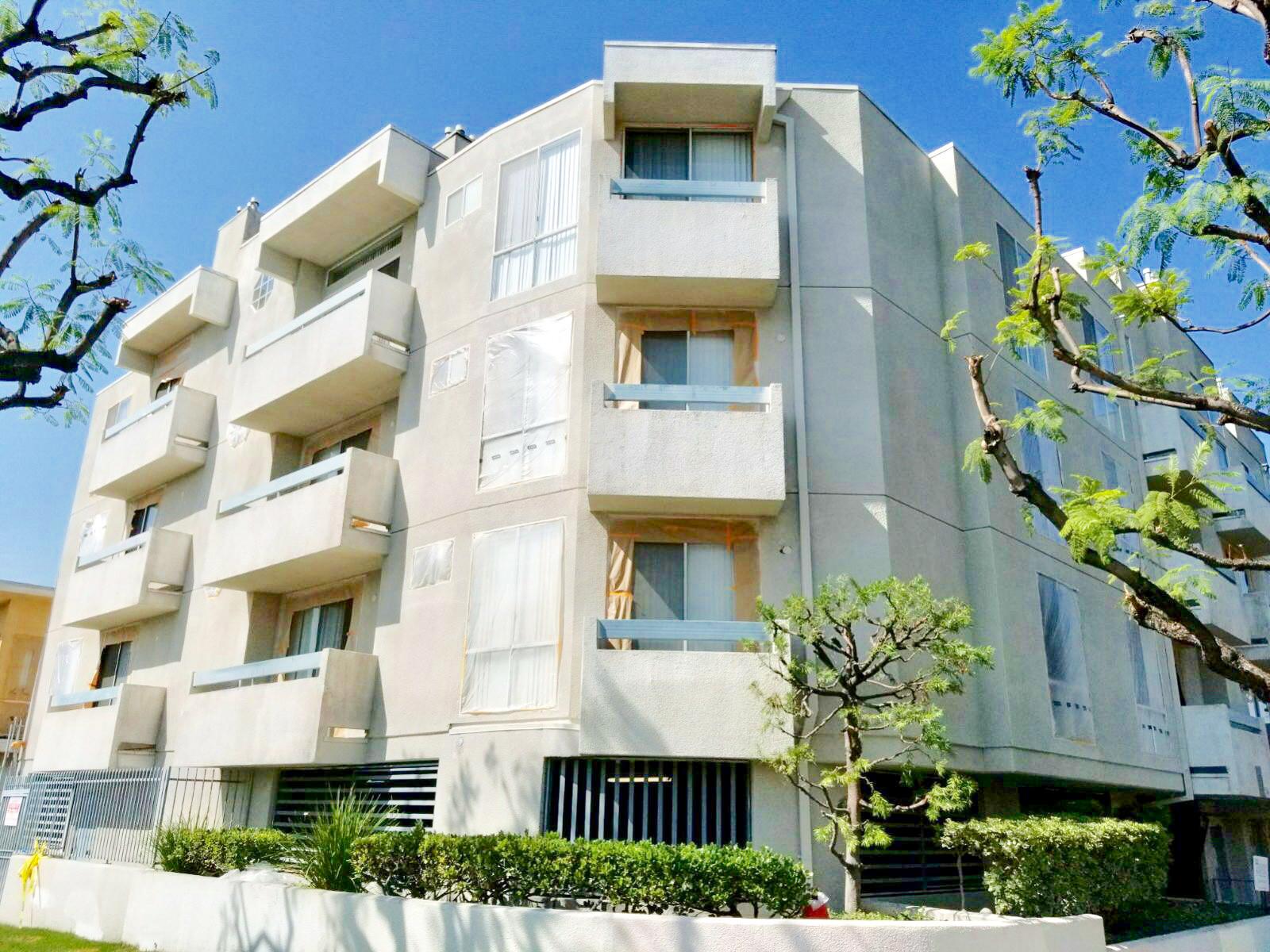 Apartment Complex- Los Angeles