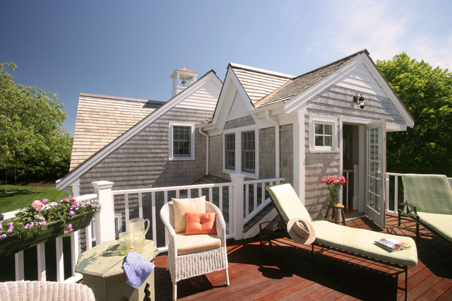 Chatham Village House traditional-deck